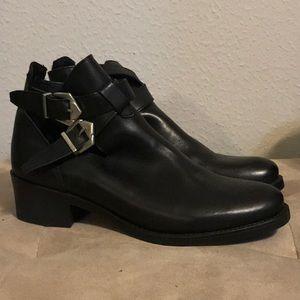 H&M cut out bootie black size 40